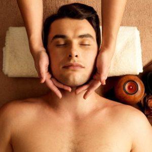 Massage du visage homme
